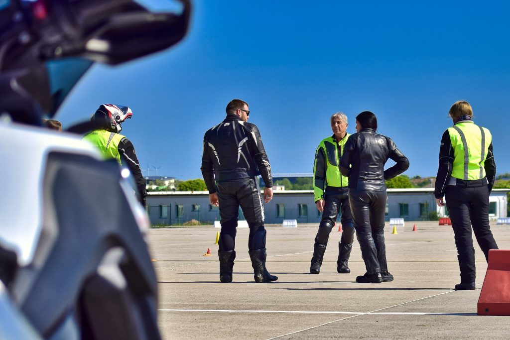 Professionelle Motorrad Sicherheits Schräglagen Trainings kurvenschule